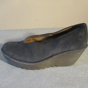 FLY LONDON YAZ WEDGES ~ 40 ~ 10 ~ GRAY SUEDE